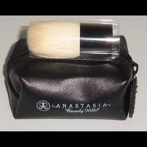 Anastasia Beverly Hills kabuki brush. New.